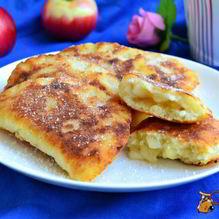 Рецепт Жареных творожных пирожков с яблоками